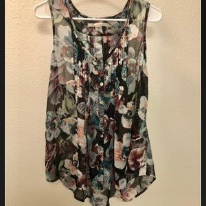 American Rag Tank   Beautiful Detailed Buttons